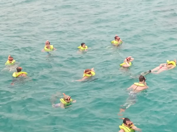 snorkeling royalton blue water sports